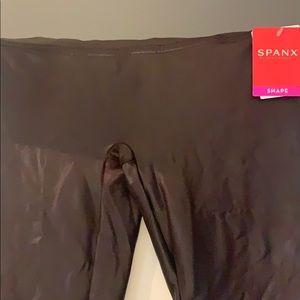 Brand new Spanx size large leggings merlot colored